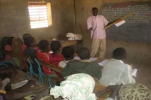 Mr. Idriss Abakar teaching at the Abroki public primary school